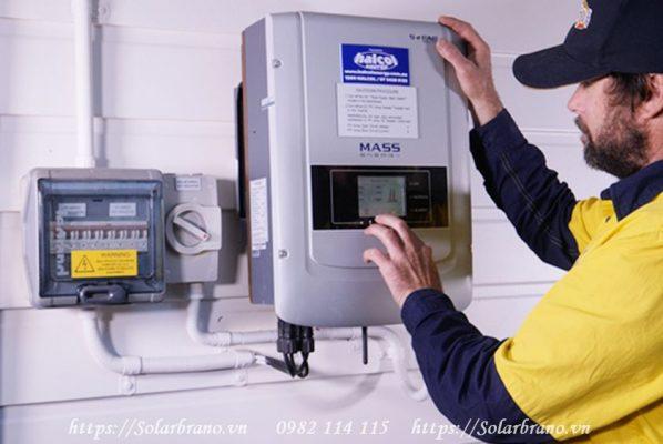 Inverter hòa lưới Sofar 2200TL hệ thống điện mặt trời
