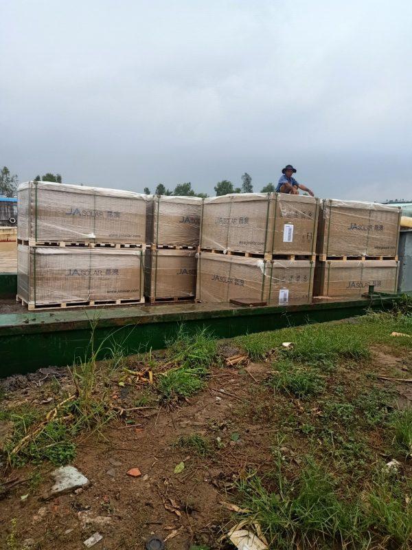Vận chuyển pin mặt trời lắp đặt tại Trà Vinh