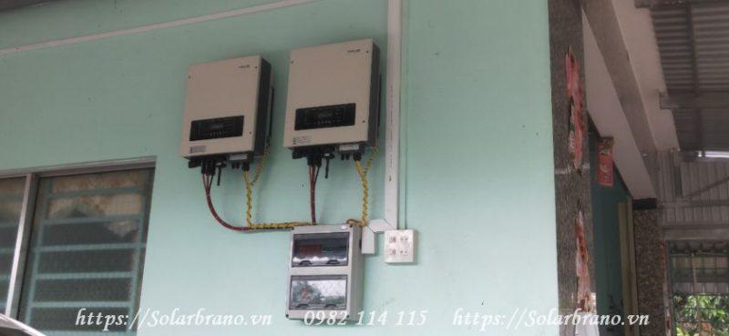 Bộ chuyển đổi điện từ pin năng lượng mặt trời